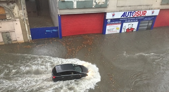 Две жертви взе лошото време във Франция