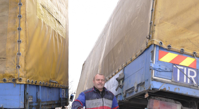 Румънски ТИР и камион със словашка регистрация се удариха край Разград