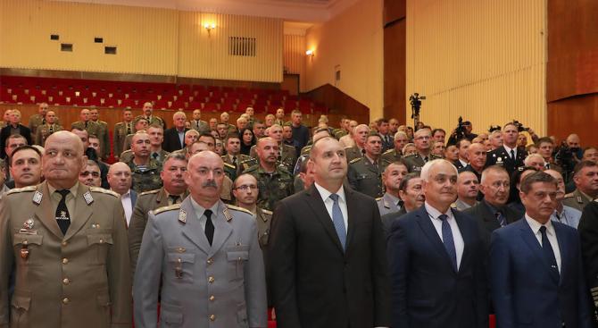 """""""Националният план за нарастване на бюджета за отбрана се изпълнява"""