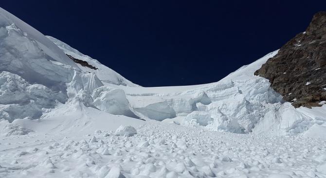 Извънредно положение е обявено в Тиролските Алпи заради лавини и