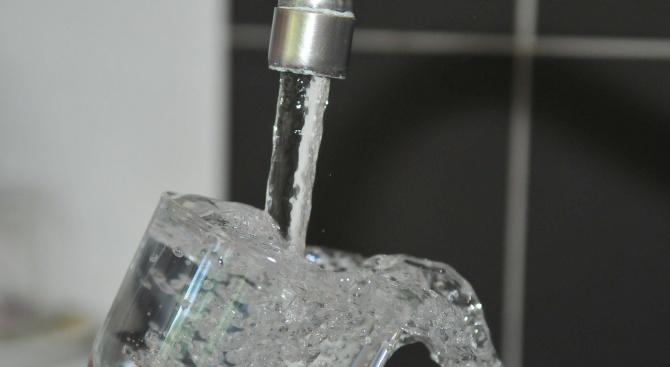 Хора се оплакват, че си плащат водата, а седят на сухо от 8 месеца
