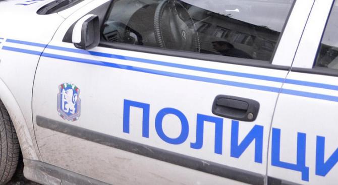 Полицията в Етрополе разследва палеж на гараж в село Бойковец.