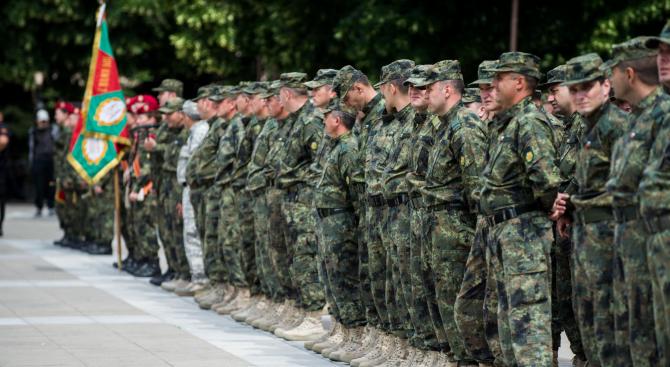 Командващият на Съвместното командване на силите генерал-лейтенант Любчо Тодоров и