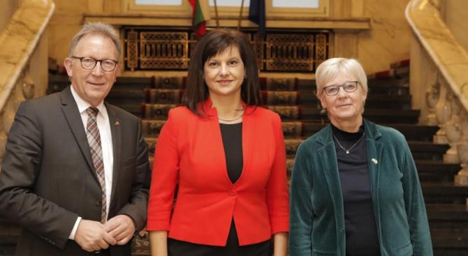 Председателят на Комисията по здравеопазването д-р Даниела Дариткова се срещна