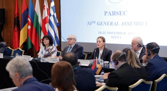 Перспективите за развитие на сътрудничеството между ЕС и ЧИС обсъдиха