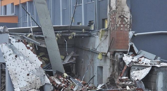 Парен котел гръмна и срути сграда в Харманли. Инцидентът е