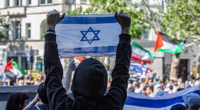 Еврейски заселници атакуваха пет палестински селища в северната част на