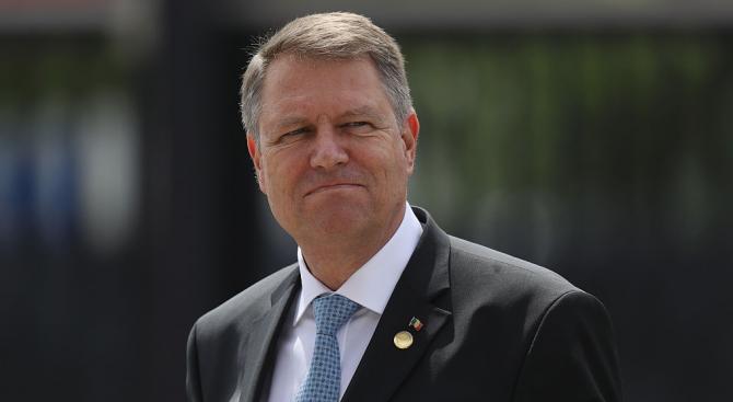 Кандидатът от Националнолибералната партия Клаус Йоханис печели с 66,5% във