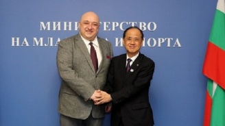 Министър Кралев се срещна с делегация от японския град Окаяма