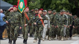 Сухопътните войски отбелязват своя боен празник