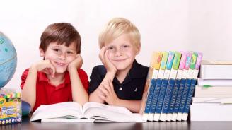 Румънските ученици ще имат по-малко учебни часове от 2020 г.
