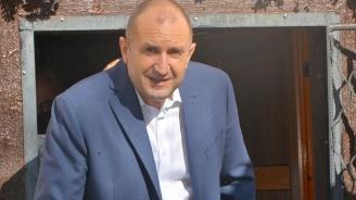 Румен Радев поздрави Сухопътните войски, сравниха ги с гръбнака на армията ни