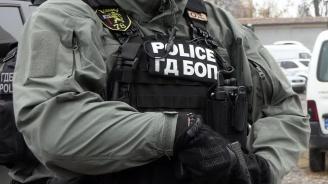 Разбиха организирана престъпна група за фалшиви документи