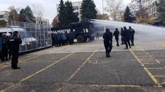 Стажант-полицаи от Пазарджик проведоха практическо занятие