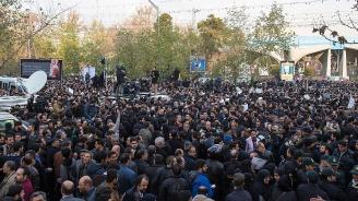 Над 100 жертви са взели протестите в Иран