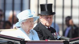 Елизабет II и принц Филип отбелязват 72 години от сватбата си