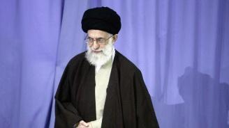 """Иран """"отблъсна врага"""", заяви аятолах Хаменей"""