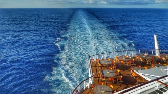 Мъж падна от круизен кораб край Карибите и загина