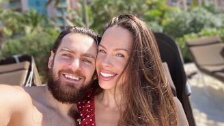 Теди Бургазлева замина на меден месец на Бахамите