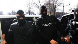 Задържани са седем души при спецакция в Несебър и село Кошарица