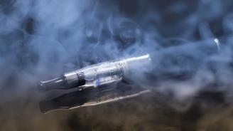Лекари откриха в дробовете на пушач на електронни цигари нова съставка, предизвикваща заболяване