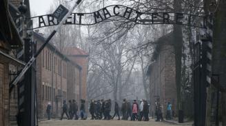 """Меркел ще направи първото си посещение в """"Аушвиц"""" като канцлер"""