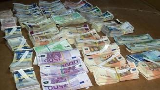 """Откриха контрабандна валута за близо 60 000 лв. на """"Лесово"""""""