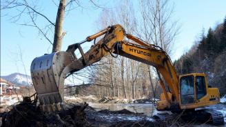 """Басейнова дирекция """"Дунавски район"""" връчи акт на фирмата, почиствала коритото на река Вит"""