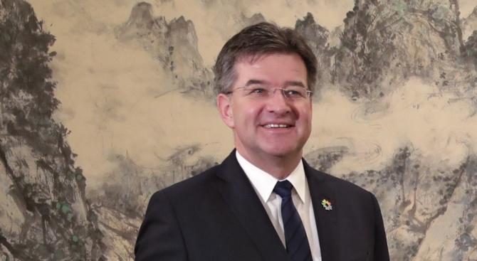 Опонент на Еманюел Макрон е новият посланик на ЕС за Западните Балкани?