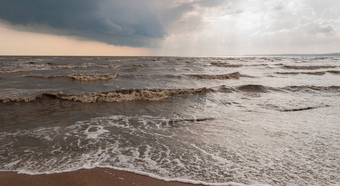 Рядка аномалия в Азовско море