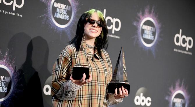 """Певицата Били Айлиш беше избрана за """"Жена на годината"""" на"""