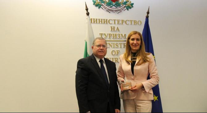 Министър Ангелкова проведе работна среща с Н.Пр. Йорам Елрон, посланик на Държавата Израел у нас