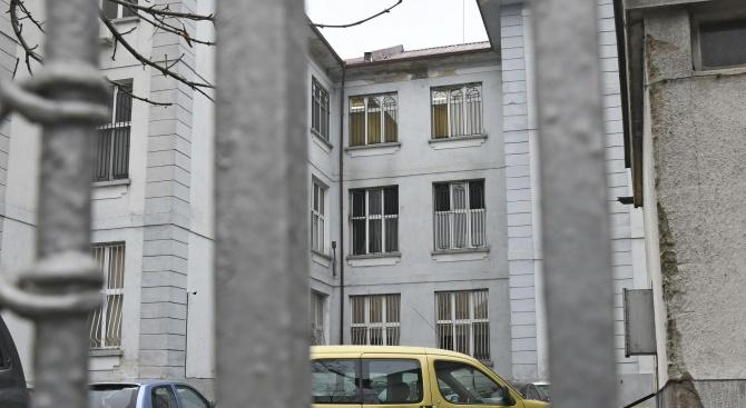 """Разследването за пожара в """"Пирогов"""" продължава"""