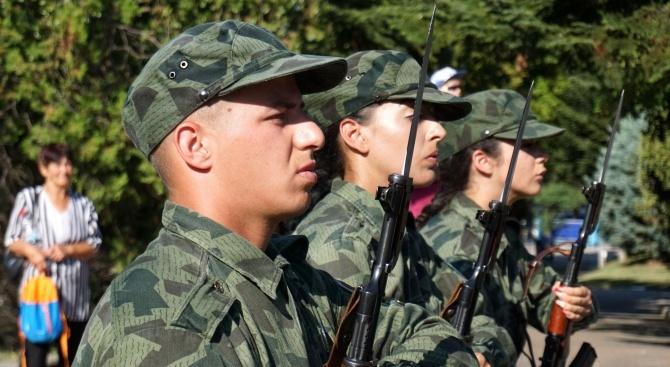 602-ма души са постъпили в Българската армия за първите 9 месеца от годината