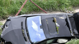 Шофьорка пропадна от 8 метра с колата си