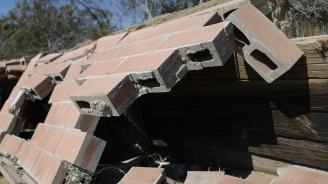 Расте броят на жертвите на труса в Албания