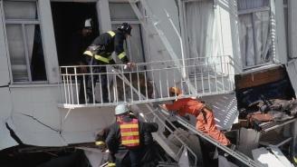 Гърция праща екип спасители в Албания