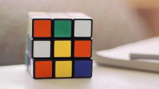 Британец конструира най-голямото кубче на Рубик в света
