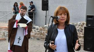 Фандъкова: Политиците трябва да слушат повече експертите