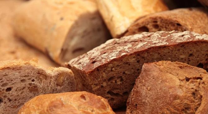 Художник направи портрет от 40 хил. кубчета хляб