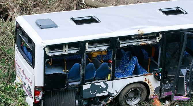 17 загинаха при автобусна катастрофа в Чили