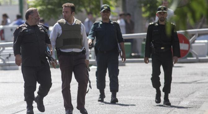 Иран призна за убити протестиращи