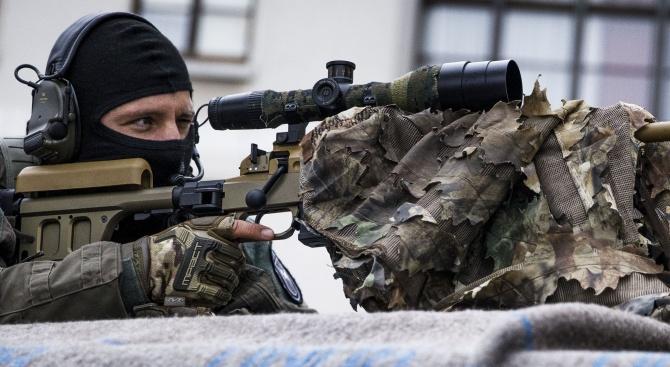 Тих снайпер убил сина на киевския депутат
