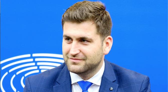 """Българските евродепутати с поредна победа срещу """"зелените еколози"""""""