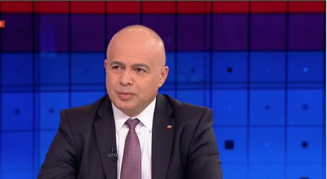 """Свиленски: Оставките """"един по един"""" не вършат работа, оставките """"до един"""" ще свършат"""