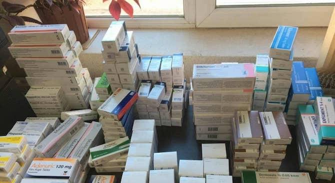 Предотвратена е незаконна продaжба на турски лекарства в Хасково