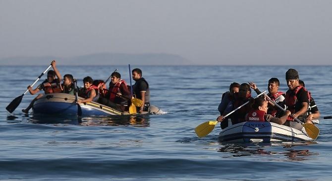 63 жертви при преобръщане на корабче с мигранти в Атлантическия океан
