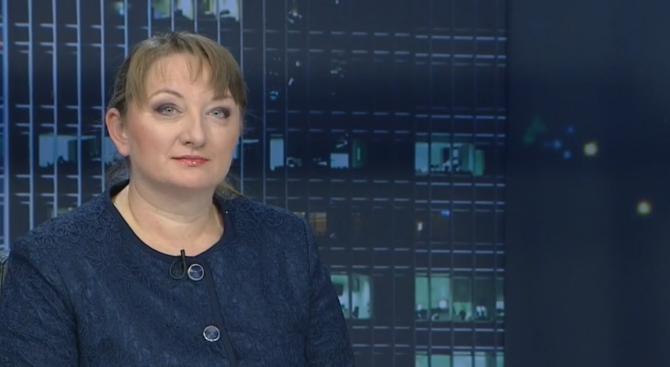 Деница Сачева: Няма доказателства, че две пенсии ще бъдат по-малко от една
