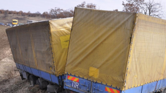 Катастрофа между товарни автомобили в Севлиево