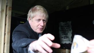 Британският медиен регулатор отхвърли жалба на партията на премиера